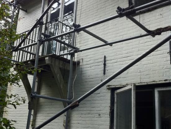 Aanbouw, houten kozijnen, houten ramen, wassenaar.