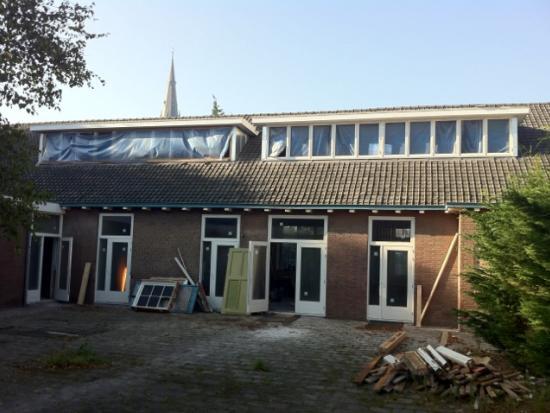 Dakkapel, houten kozijnen, houten draairaam, Poeldijk, Westland.